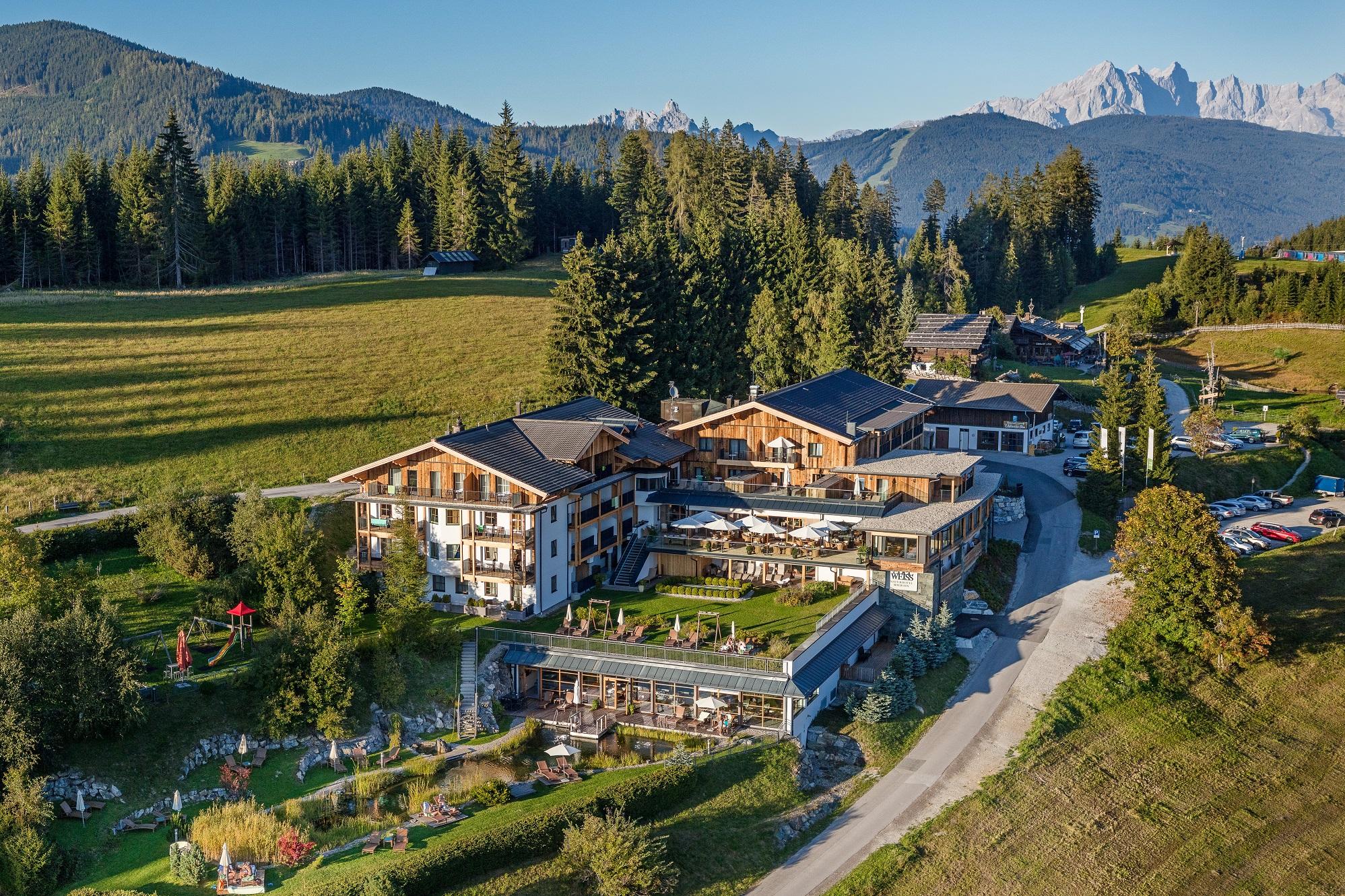 Naturidyll Hotel Edelweiss außen Sommer
