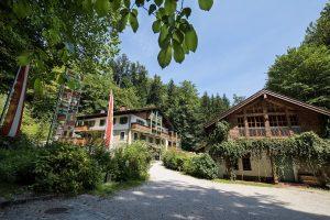 Naturidyll Hotel Hammerschmiede Sommer außen