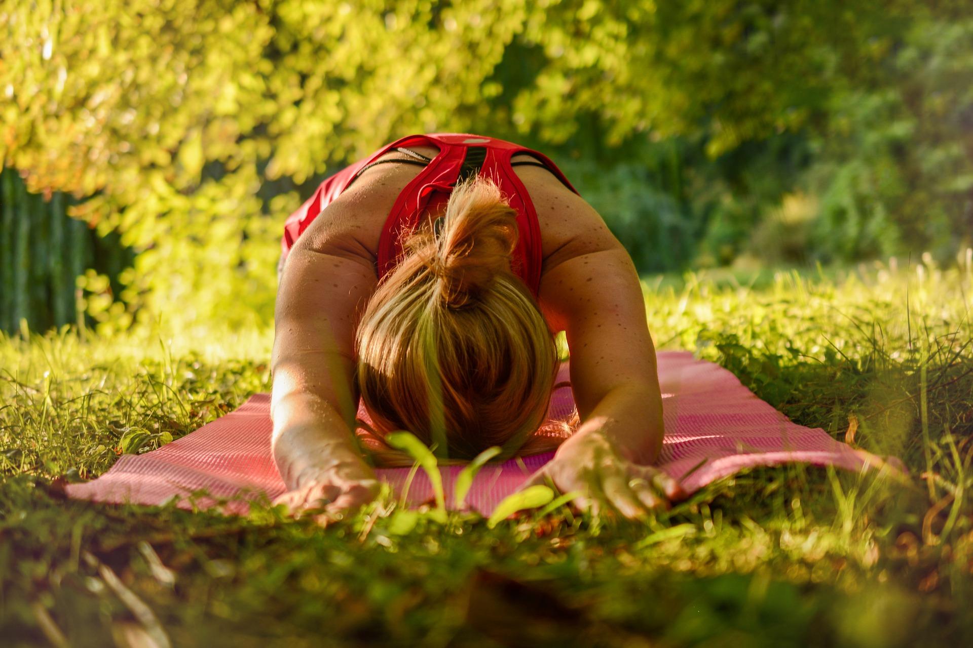 Yoga im Wald im Hotel Hammerschmiede