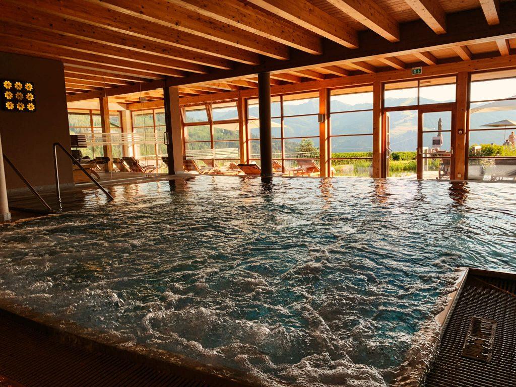 Pool Hotel Edelweiss ©Rast.Los.Gelöst